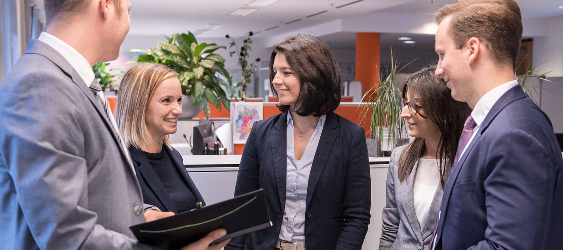 Dank unseres großen Netzwerkes haben Kandidaten bei PERM4 | beste Chancen, den Traumjob zu finden, und Unternehmen können schneller vakante Stellen besetzen.